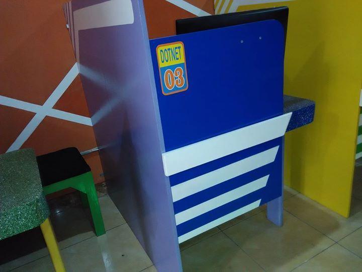 Dotnet Cafe Balcony Computer