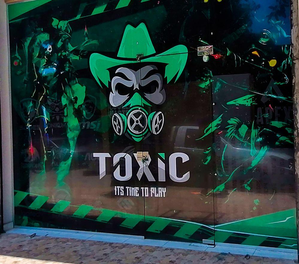 Toxic front door