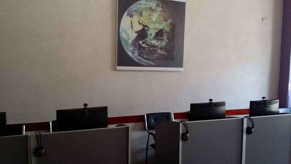 Albania Cafe Computers