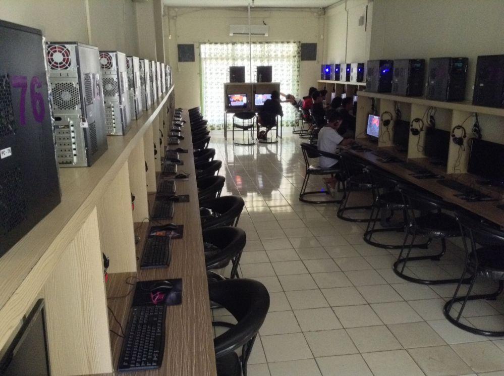 Fullhouse 2nd Floor