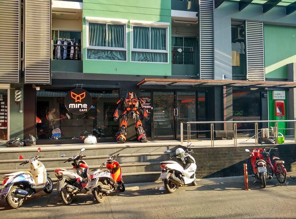 mine-cafe-1.jpg