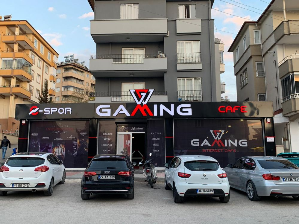 w-gaming-front-2
