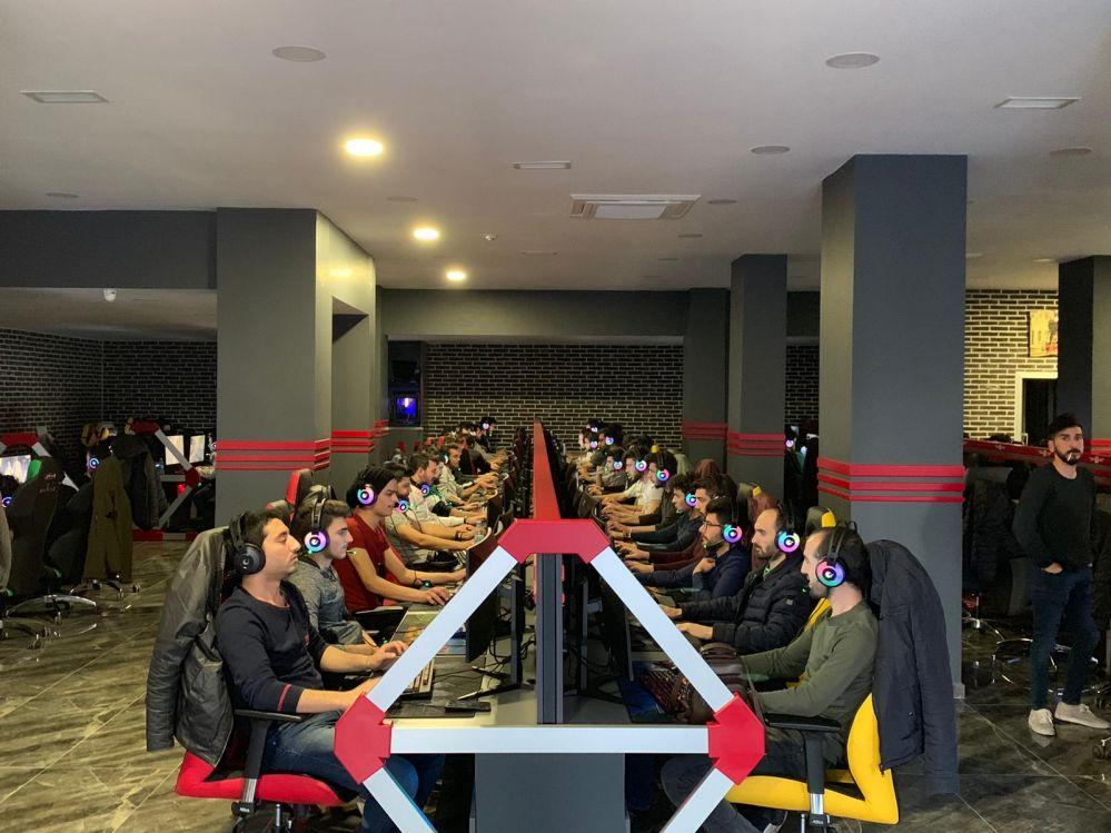 w-gaming-inside-01